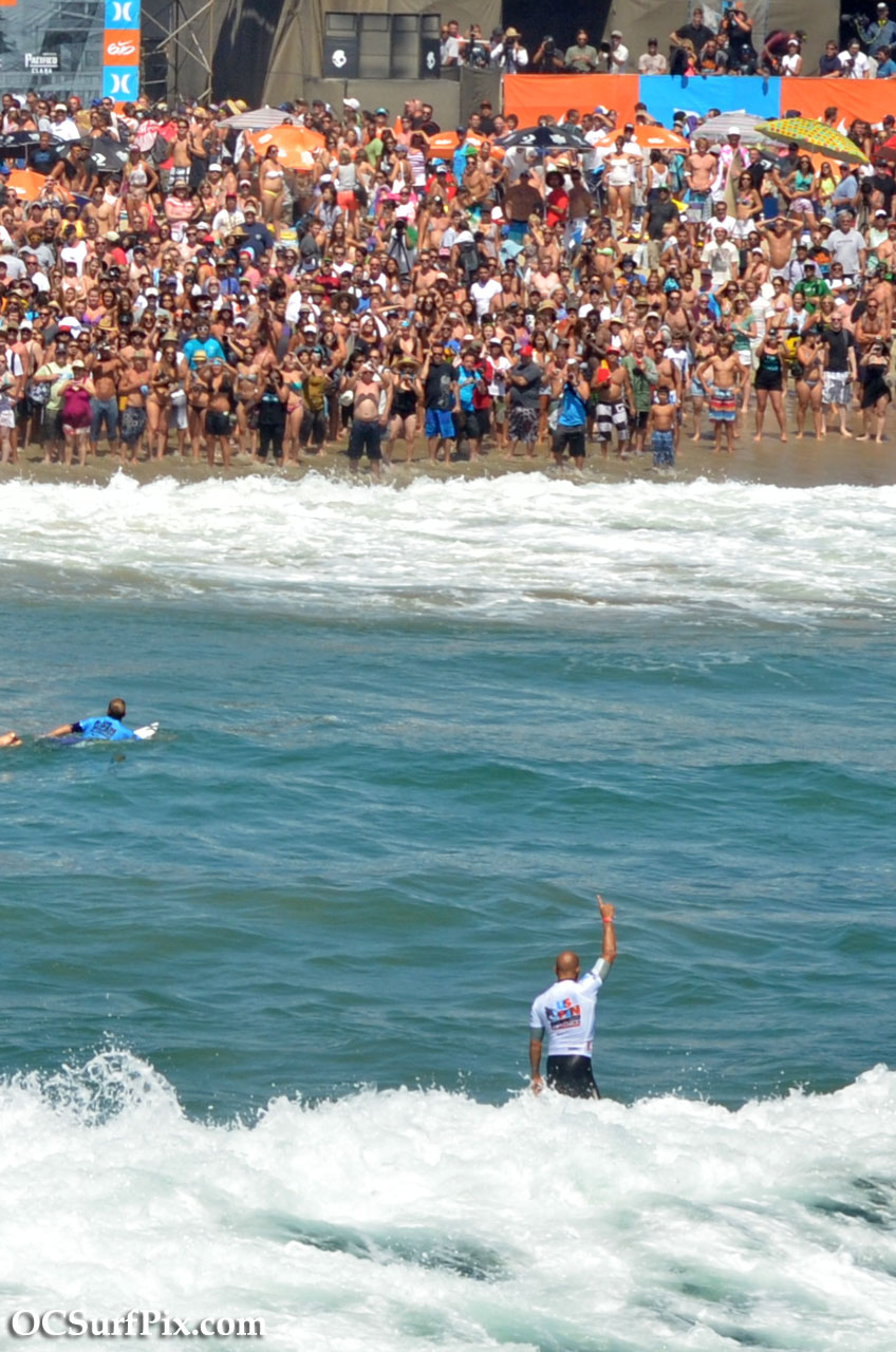 Kelly Slater wins US Open of Surfing