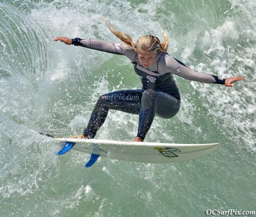 females surf 2011