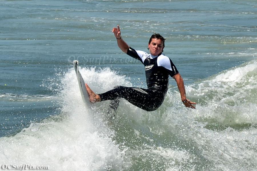 Huntington Beach Pier surfer